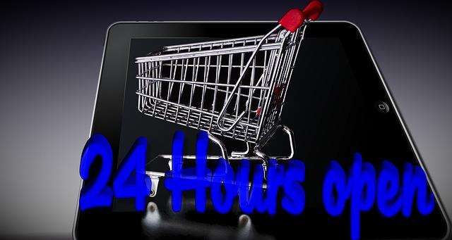Ein Bild von einem Einkaufswagen im Online-Handel der auf einem Tablet-PC steht. Angepriesen wird eine 24 stündige Öffnungszeit.